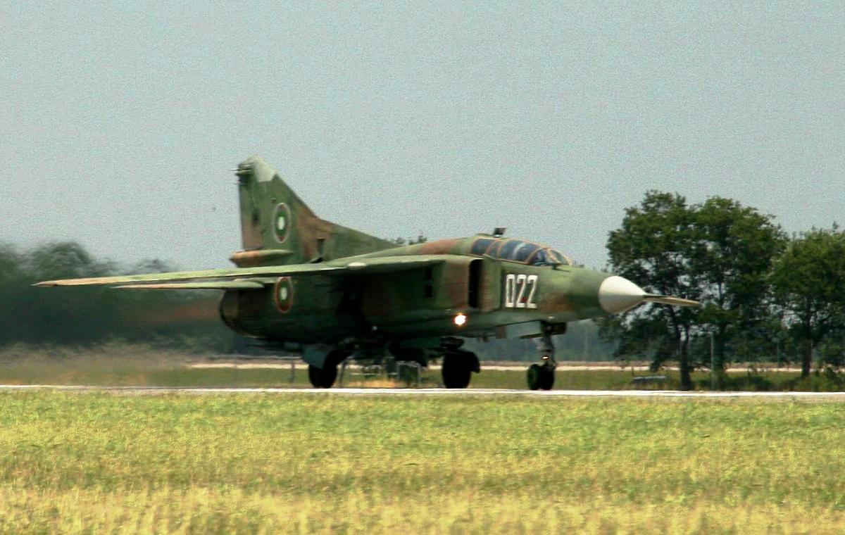 MiG-23 Flogger Jet Fighter Wallpaper 4