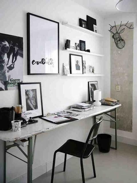 Monochromatyczna aranzacja domowego biura w stylu skandynawskim