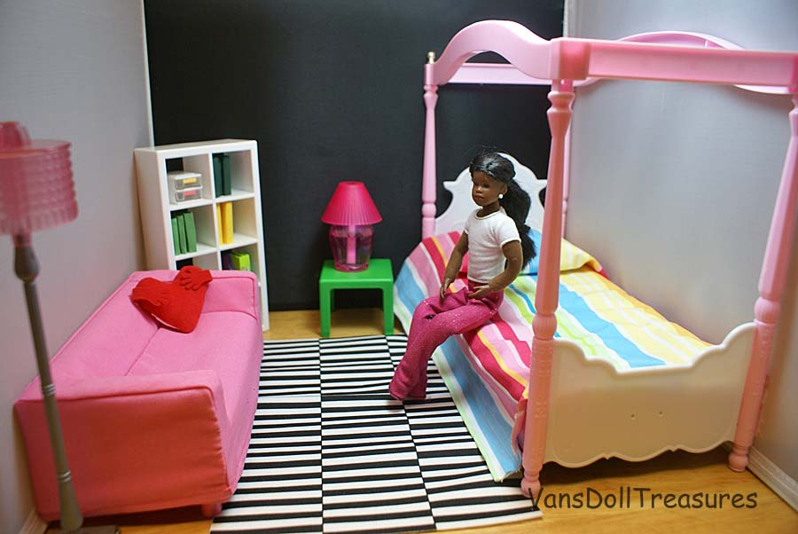 Fashion Dolls at Van's Doll Treasures: Nicole's Ikea Inspired Bedroom