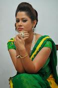 Shilpa chakravarthy sizzling photos-thumbnail-7