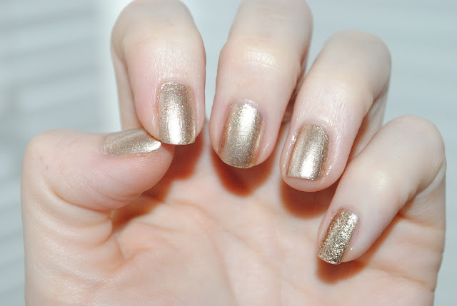 ted+baker+nail+varnish+set+duo+golden+girl+swatched