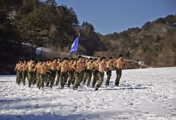 Foto Tentara Korea Selatan Latihan Intensif Ditengah Salju | liataja.com