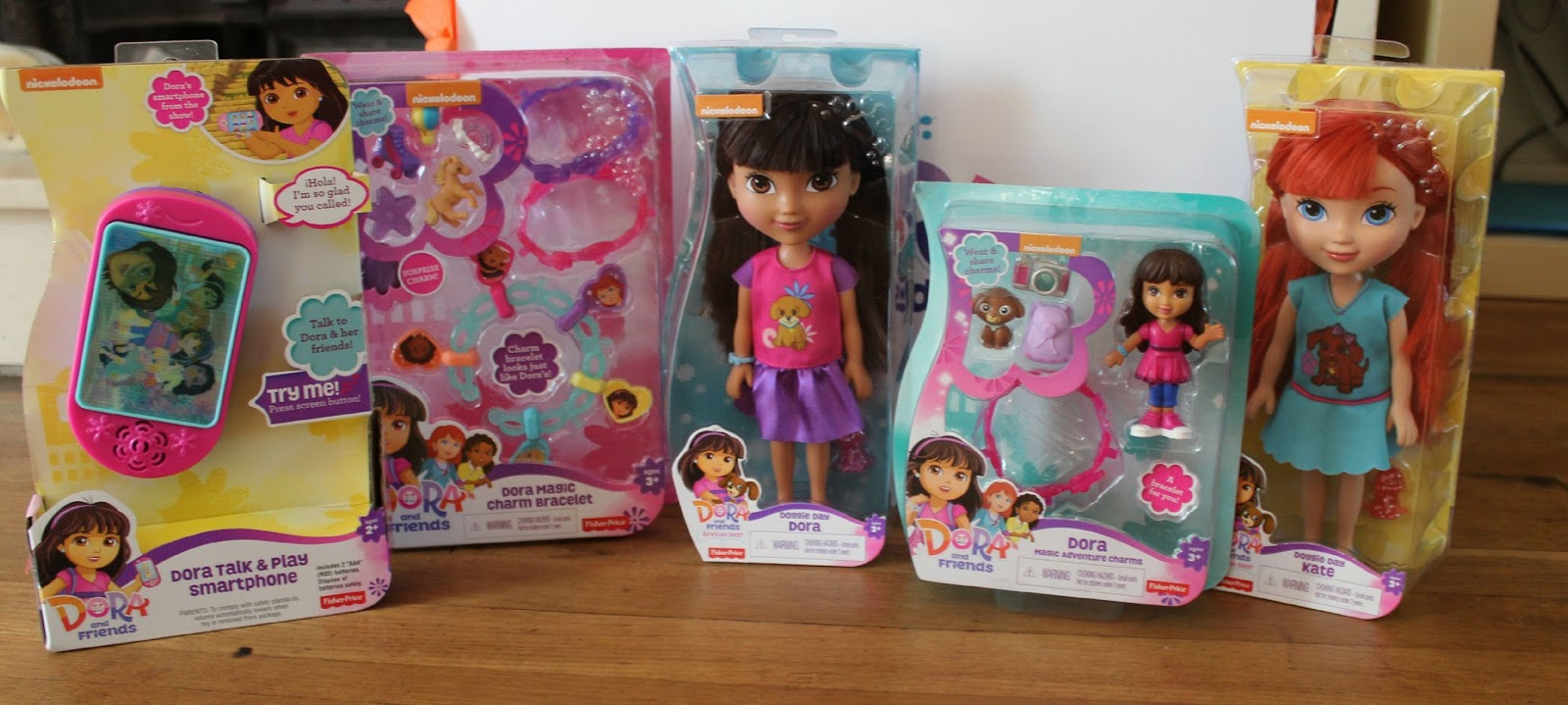 dora girls Go on everyday adventures with dora when you watch full episodes and video clips sing songs and dance along to music videos from the show that teach both spanish and english words.