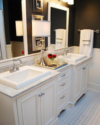 What To Put In Guest Bathroom. The Upstairs Bathroom Vanity Has Double Sinks Like These Photos And I Love How They Put A Tray In Between Them Since The Upstairs Bathroom Will Be For