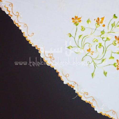 Telekung Vietnam bunga gold-putih / daun hijau-kuning sulam sisi