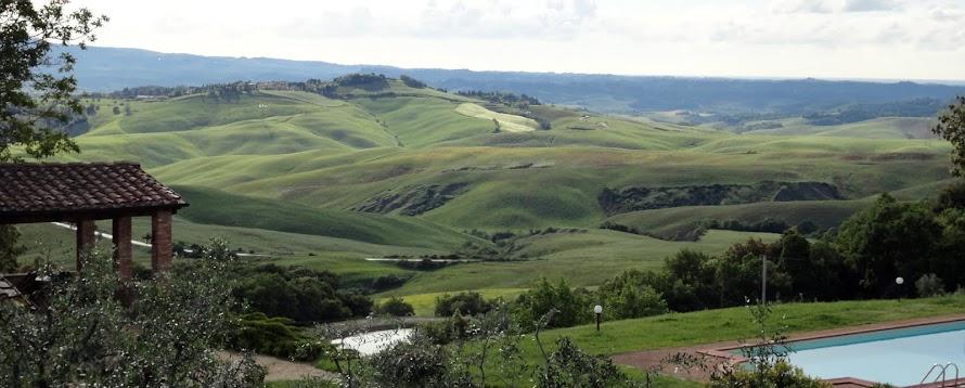 Panorama sulle nostre colline toscane dall'Agriturismo Vaianino