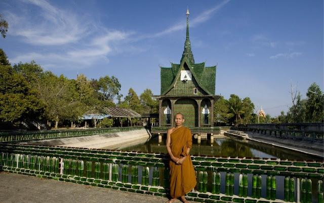 El Templo Budista de Khun Han en Tailandia – Construido con botellas de cervezas