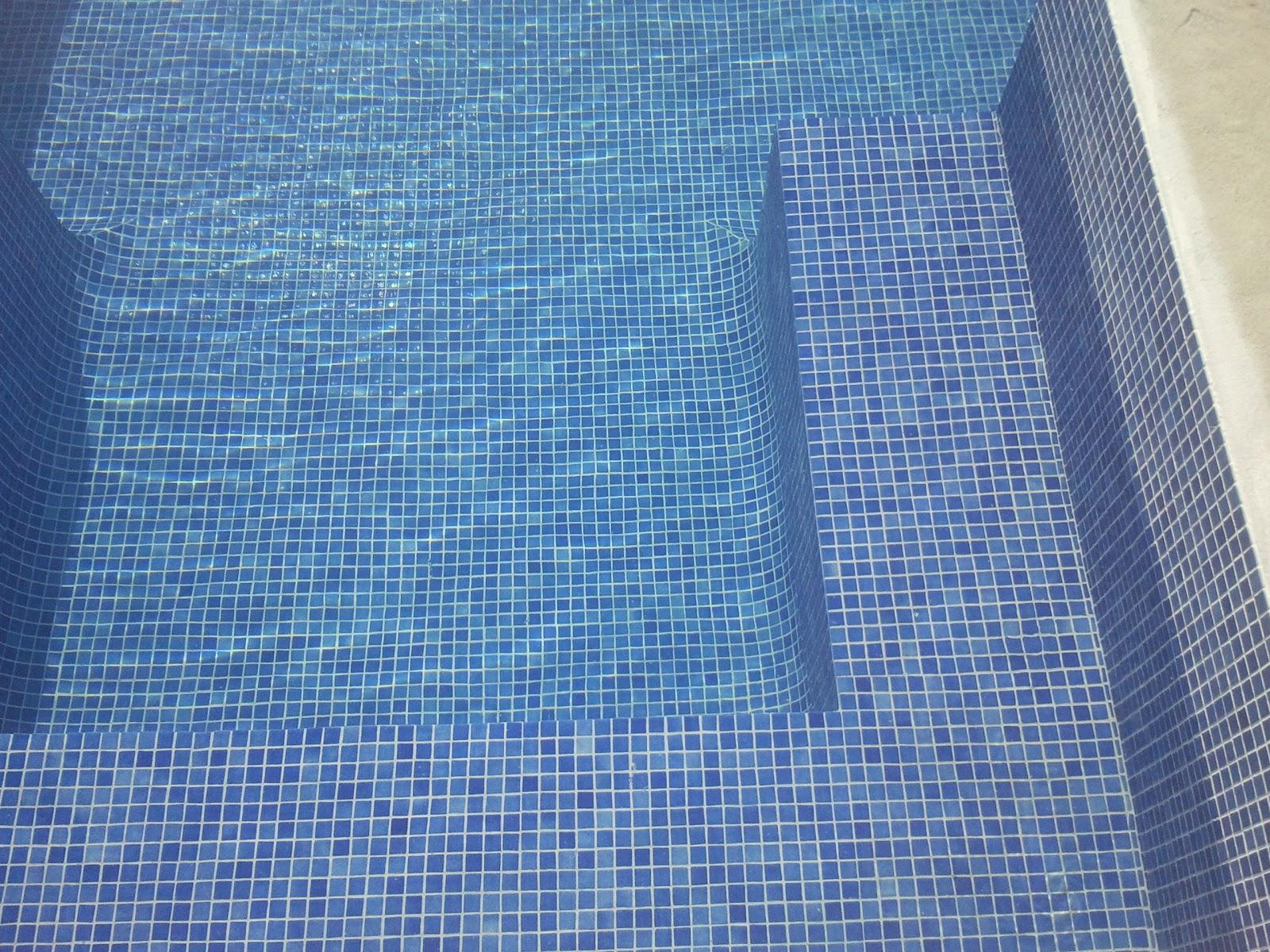 Reformas julio camarena piscina for Revestimiento piscinas gresite