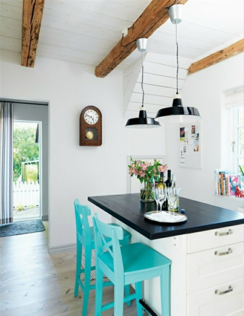 Coastal Home: 10 Ways To: To add a pop of color to your space