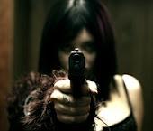 Si la envidia matase, no habría quien cabase tumbas.. .