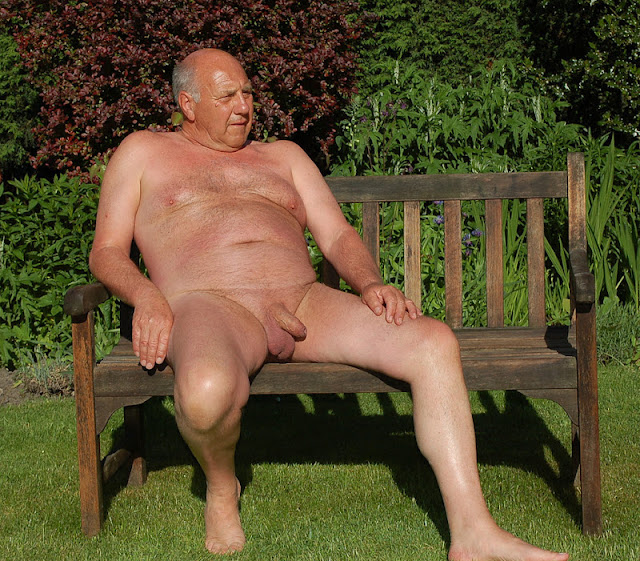 ParkBench02 Silver Daddy with Uncut Cock