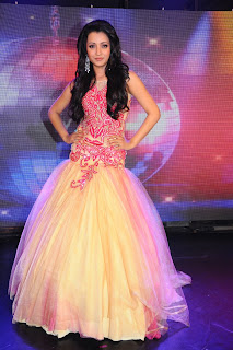 Trisha-Ramp-Walk-Stills-CF-02.jpg