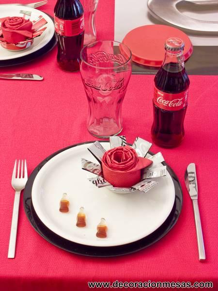 Decoracion de mesas mesa premio coca cola - Regalos coca cola ...