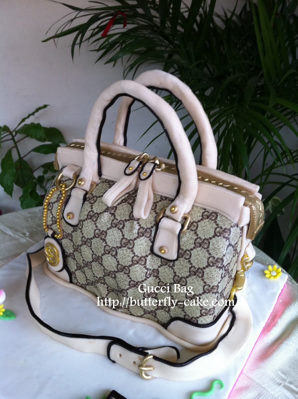 Butterfly Cake: Feedback Gucci Bag