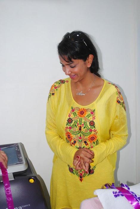 Lakshmi Prasanna @ Livlife Hospitals Function Photo Set - N/W  Lakshmi-Prasanna-at-Livlife-Hospitals_022