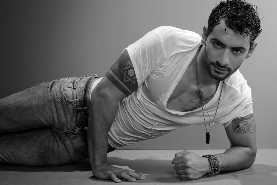 Cleverson Fontinatte, o Mister Nova União 2014 posa para ensaio - Foto: Marcos Januário