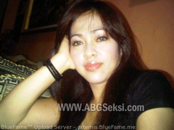 Kumpulan foto tante girang montok terbaru | ABGSeksi.com