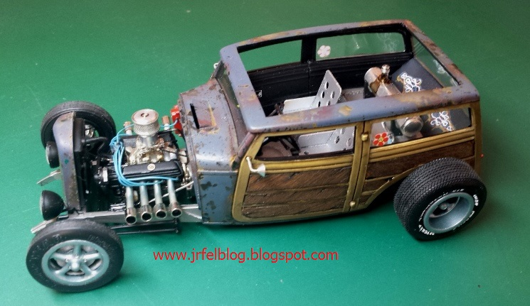 Ford '32 Speedwagon Wood - Revell