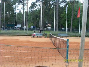 Tennisvalmentaja Tampereelta Olavi Lehto
