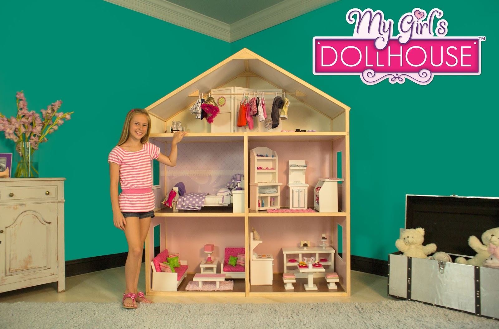 Karen Mom of Three's Craft Blog: Check Out An Amazing Doll House For Your Dolls