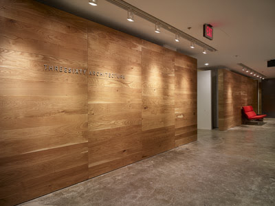 Novo branco piso laminado nas paredes for Piso xose novo freire