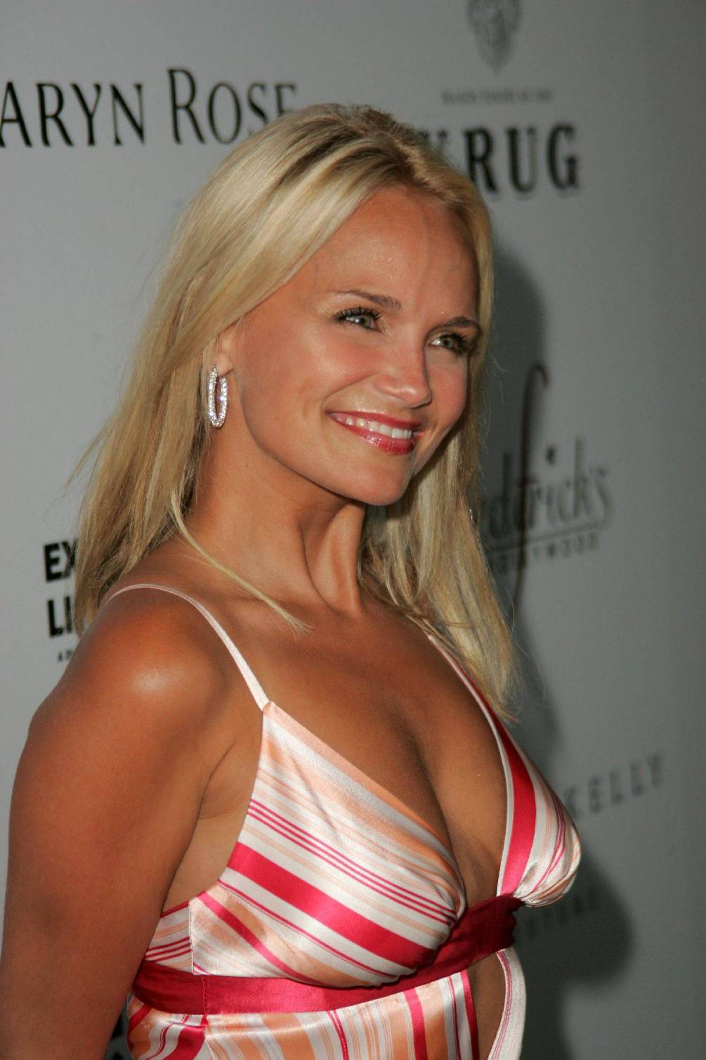 Kristin Chenoweth Released From Medical Center Fox News 5