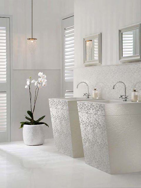Modern furniture decorating with white 2013 summer ideas for Summer bathroom decor