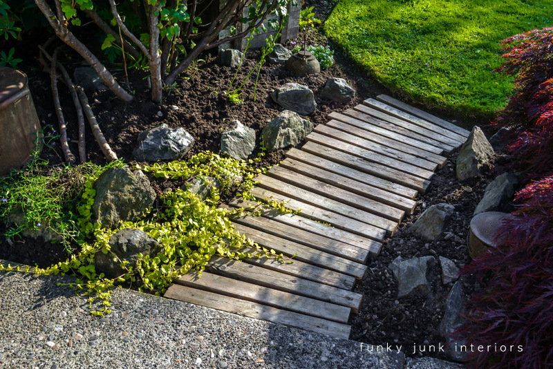 pallet wood walkway all prettied up again funky junk