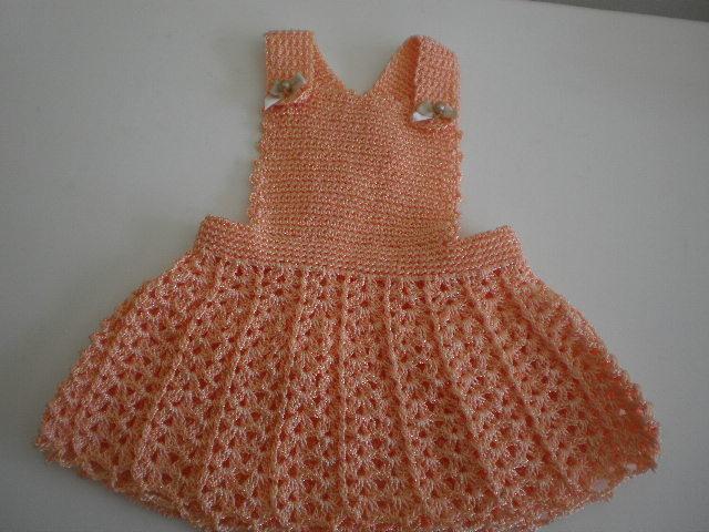 Espa o sonhos e artes vestido e jardineira de croch beb for Jardineira infantil c a