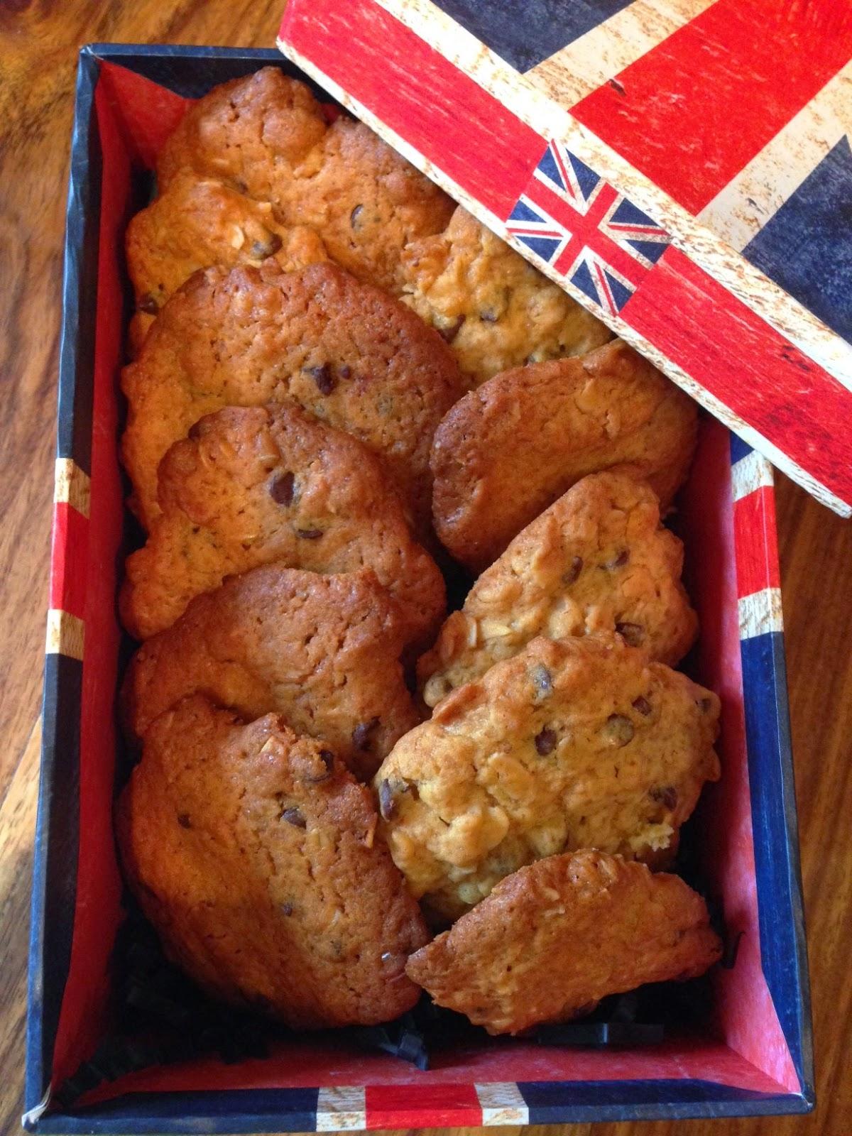 cookies con fiocchi d'avena, miele e gocce di cioccolato