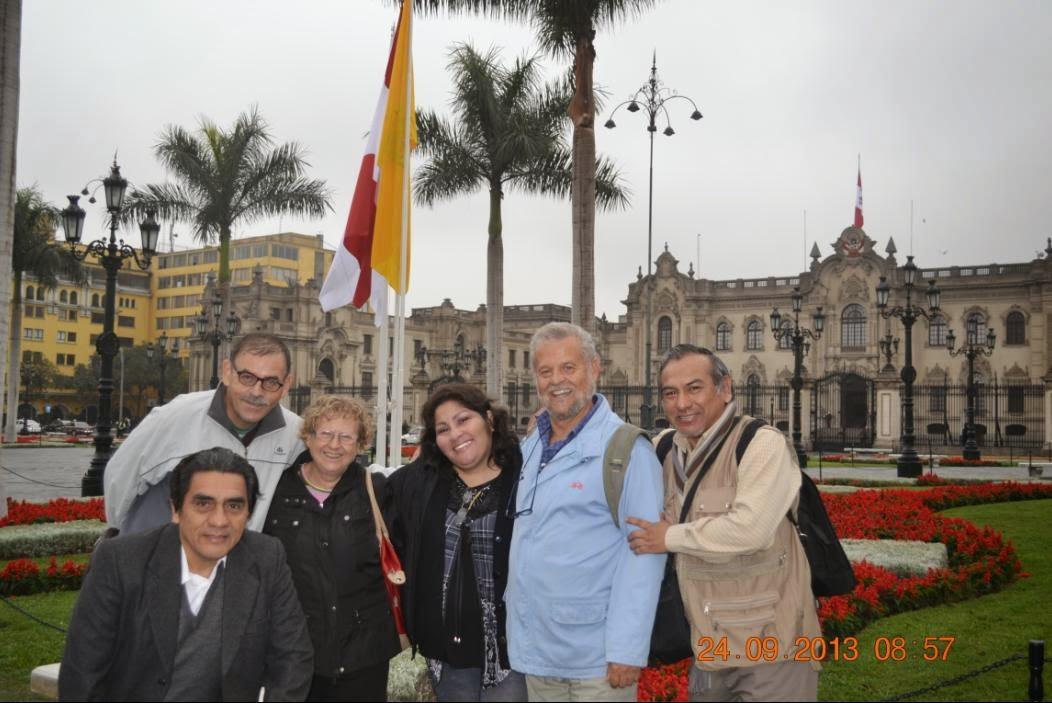 España y Perú abrazados en Poesía