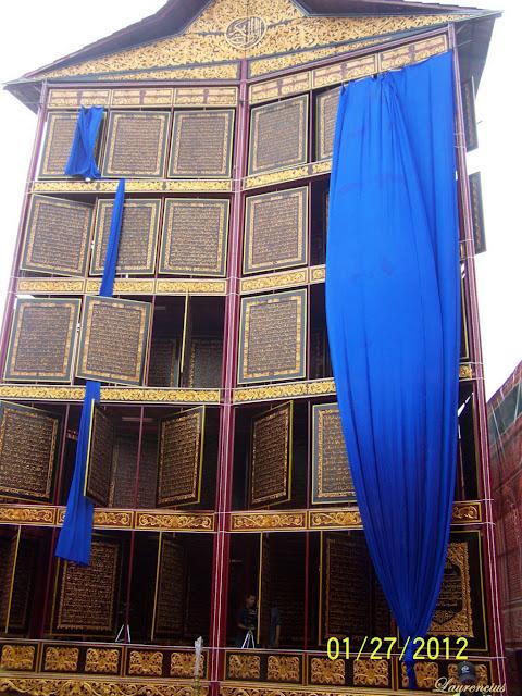 Foto-Al-Quran-Terbesar-di-Dunia-Palembang_5