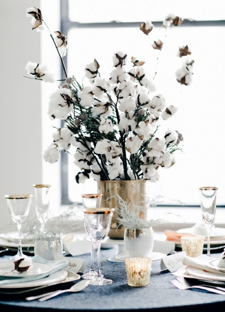 antique white christmas table
