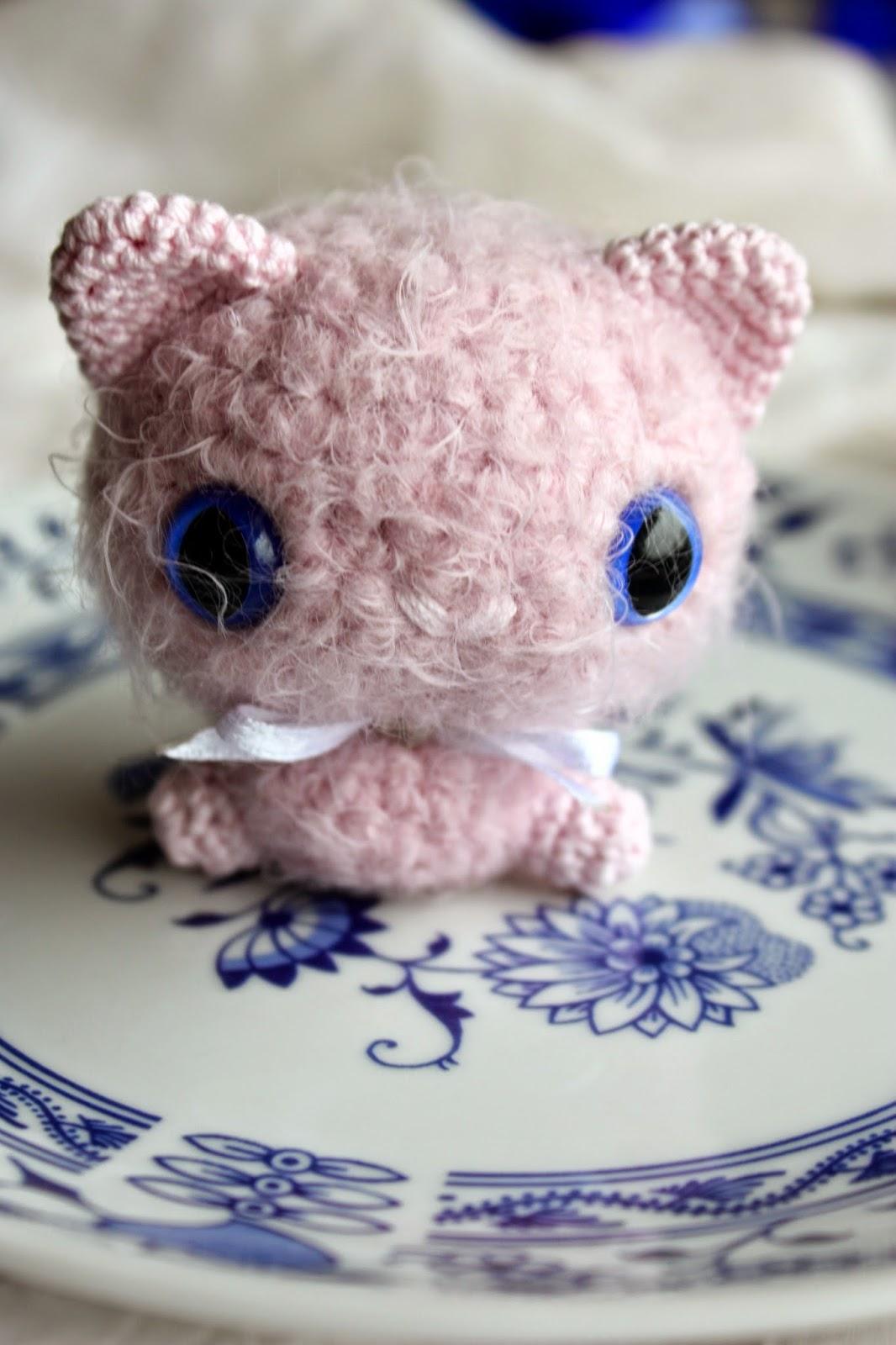 Crocheting Cats : Amigurumi creations by Happyamigurumi: Tiny Amigurumi Cat in process