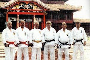 Maestros de Okinawa