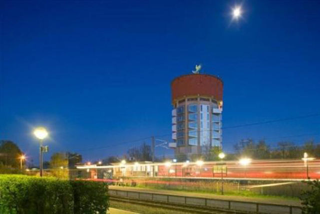 Post Bredeney fresh pics water towers transformed into houses