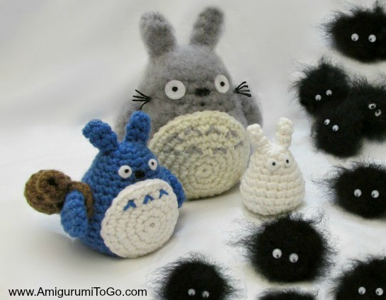 Totoro Catbus Amigurumi : Totoro and Soot Sprites Free Pattern With Video ...