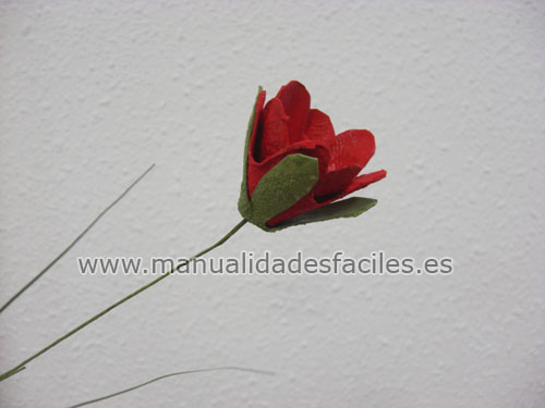 ARTESANIA: flores de amapola hechas con material reciclado