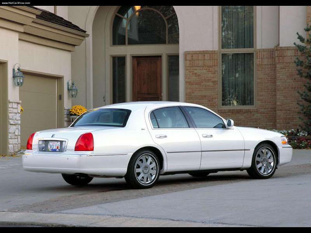 Lincoln Town Car Cartier (2003)