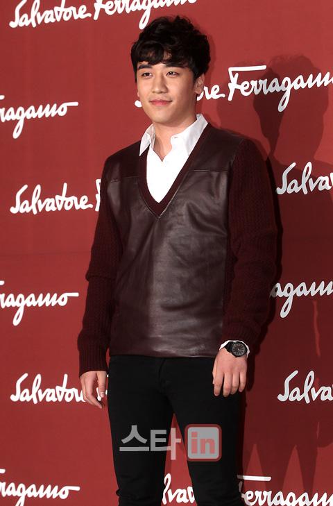 Seungri Photos Salvatore+Ferragamo+seungri+fashion+show+bigbang