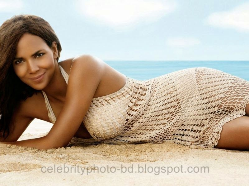 Halle+Berry+Latest+Hot+Photos+With+Short+Biography005