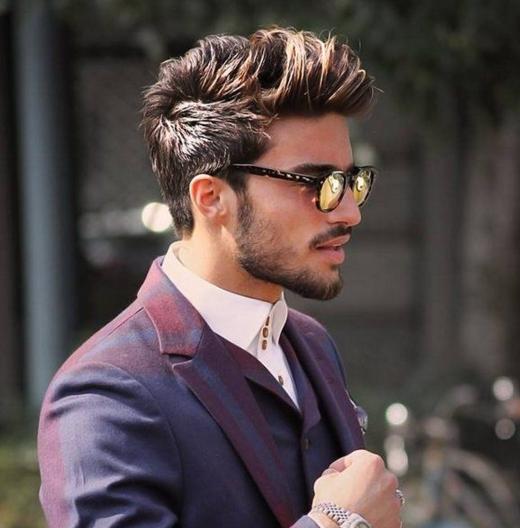 Tampak samping warna rambut gaya ombre untuk pria