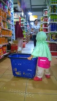 Cara Mendidik Anak Berbelanja