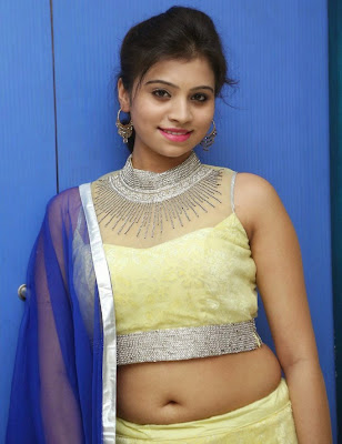 Priyanka hot navel show stills