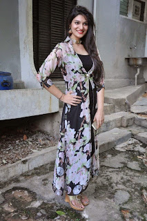 Actress Siya Gautham Picture Gallery in Long Dress at Pilavani Perantam Telugu Movie Opening  18.jpg