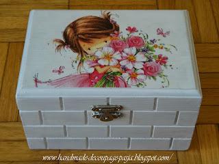 http://handmade-decoupage-pasja.blogspot.com/2014/01/pudeeczko-z-dziewczynka.html