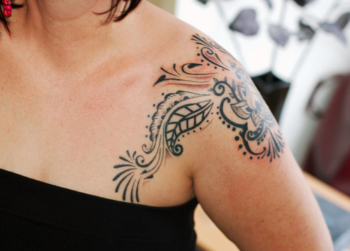 tattoos designs for women on shoulder. Tattoos For Women On Shoulder ~ Tattoos Designs