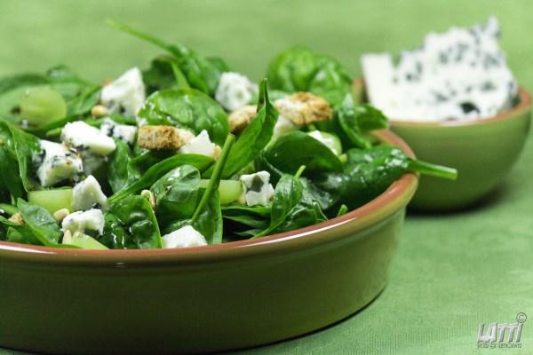 Spinaziesalade met blauwe kaas