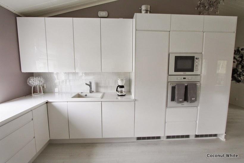 Valkoisia keittiökuvia  Coconut White
