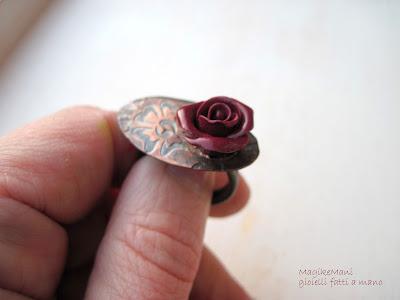 anello in rame inciso e rosa vedere le proporzioni